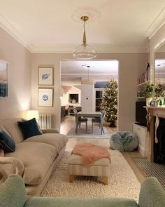 Sitting Room Decor, Living Room Decor Cozy, New Living Room, Living Room Interior, Home Interior Design, Home And Living, Cottage Living Rooms, Lounge Decor, Victorian Living Room