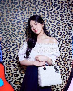 Korean Actresses, Korean Actors, Suzy Instagram, Miss A Suzy, Bae Suzy, First Love, Dior, Singer, Photo And Video