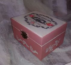Decoupage Box, Decorative Boxes, Home Decor, Decoration Home, Room Decor, Interior Decorating