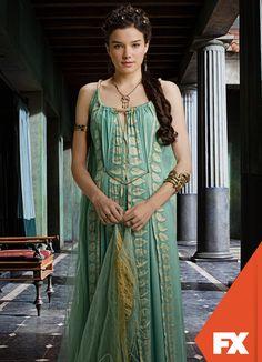 ( Hanna Mangan Lawrence as Zemsta ) Historical Costume, Historical Clothing, Spartacus Women, Conquest Of Mythodea, Greek Dress, Roman Dress, Roman Fashion, Ancient Beauty, Movie Costumes