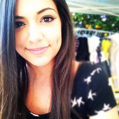 This is one of the prettiest pics I've ever seen of Beth.... She looks great!