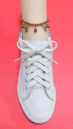 How to tie shoelaces Ways To Tie Shoelaces, Sagging Face, Face Wrinkles, Face Skin, Muscle, Exercise, Sneakers, Shoes, Style