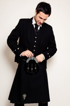 Black kilt- Now this is Handsome!