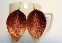 Genuine leather leaf earrings / winter trend earrings / #BridesmaidsGifts #LeatherEarrings #GiftForHer #TeardropEarrings #FashionEarrings #StatementEarrings #LightweightEarrings #WeddingJewelry #HandmadeEarrings #LeatherLeaf Presents For Girlfriend, Valentine Gifts For Girlfriend, Bff Gifts, Orange Earrings, Leaf Earrings, Teardrop Earrings, Leather Earrings, Leather Jewelry, Earrings Handmade