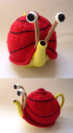 I AM OBSESSED WITH SNAIL.  THIS IS THE FIRST TEA COZY IVE EVER LIKED.  I NEED TO KNIT THIS.  ALSO IM TOO EXCITED TO NOT SHOUT!!!  Snail Tea Cozy by Anke Klempner knitting pattern £2.50 on Ravelry at http://www.ravelry.com/patterns/library/snail-tea-cosy