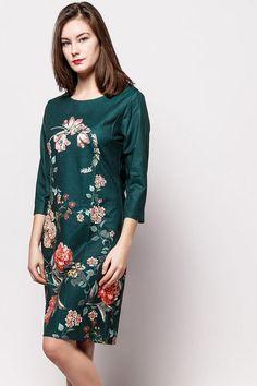 Elegantné tmavozelené kvetované šaty s trojštvrťovým rukávom 9bcd3e0198
