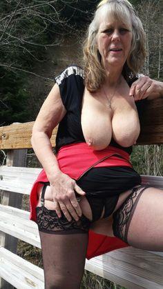 Amateur naughty mature women