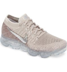Main Image - Nike Air VaporMax Flyknit Running Shoe (Women)