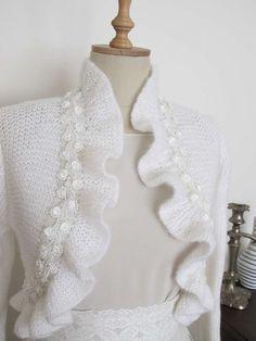 Lavori a maglia: coprispalle - Coprispalle con volants