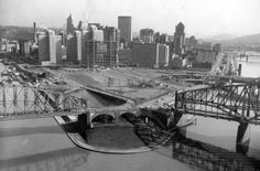 A 1959 photo of Pittsburgh at the confluence of the Mongahela, Allegheny and the Ohio Rivers prior to the construction of Hilton Hotel, Gateway Centers and the Fort Pitt Museum and the Point State Park and Fountain. Pittsburgh Skyline, Pittsburgh Pa, Best Places To Live, Places To Visit, Pennsylvania History, Pennsylvania Railroad, Ohio River, Newcastle, State Parks