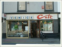 Venice Cafe, Troon. (July 2003) Picture: Anne Ward.