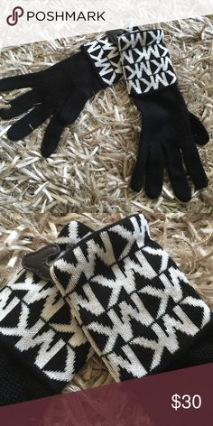 Michael kors gloves Get ready for winter with these stylish gloves. 100% acrylic. New with tags. MICHAEL Michael Kors Accessories Gloves & Mittens