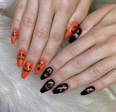 Holloween Nails, Cute Halloween Nails, Halloween Acrylic Nails, Halloween Nail Designs, Summer Acrylic Nails, Best Acrylic Nails, Acrylic Nail Designs, Spooky Halloween, Trendy Halloween