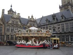 [City Hall on the market square of Veurne, West Flanders, Belgium]  (Photo: Wikimedia)