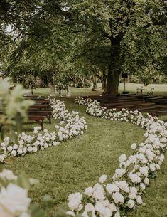 Wedding Goals, Wedding Themes, Wedding Decorations, Wedding Ideas, Wedding Inspiration, Cottage Wedding, Garden Wedding, Wedding Ceremony, Wedding Venues