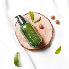 Natural korean skin care- innisfree- pamper your skin with the innisfree gr Back Acne Treatment, Serum, Perfectly Posh, Homemade Skin Care, The Face, Organic Skin Care, Organic Beauty, Natural Beauty, Natural Skin