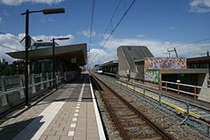 Station #Amsterdam #Holendrecht is een station van de Amsterdamse metro in het stadsdeel Amsterdam Zuidoost en tevens een station aan de spoorlijn Amsterdam Centraal – #Utrecht Centraal, die parallel loopt aan de metrolijn.