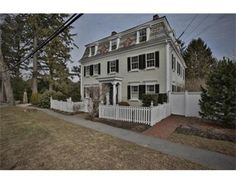 c1820 Federal-style home Historic New England, New England Homes, Historic Homes, Second Empire, Queen Anne, Victorian Homes, Old Houses, Colonial, Exterior