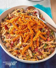 Salade de pâtes Ranch et barbecue au bacon #recette Bacon Ranch Pasta Salad, Pasta Salad Recipes, Potato Pasta, Sauce Barbecue, Bbq Bacon, Cold Pasta, Kraft Recipes, What To Cook, Summer Recipes