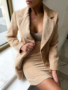 Suit Set with Jacket and Skirt Business Casual Outfits, Edgy Outfits, Mod Outfits, Suits For Women, Clothes For Women, Fabric Structure, Fashion Forward, Style Inspiration, Female Fashion