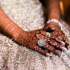 Henna Design By Fatima Dulhan Mehndi Designs, Wedding Mehndi Designs, Mehndi Art Designs, Wedding Henna, Mehendi, New Gold Jewellery Designs, Gold Ring Designs, Fancy Jewellery, Latest Jewellery