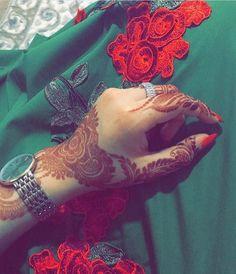 Hijab Girls Dpz, Cute Girls Dpz, Stylish Girls Dpz, Attitude Girls Dpz, Best Whatsapp Cute Girls Dpz Best dpz for whatsapp girls Henna Tattoo Hand, Hand Mehndi, Henna Tattoo Designs, Mehndi Desing, Mehndi Style, Mehndi Art, Bridal Henna Designs, Best Mehndi Designs, Mehendi
