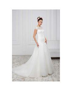 7b56eb210d1d Luxusné svadobné šaty s čipkovaným korzetom s krátkymi rukávmi a širokou  tylovou sukňou Ženísi