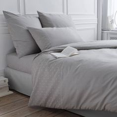La Redoute Interieurs Cassopia Spotted And Striped Cotton Duvet Cover Beige Size Double X Beige Duvet Covers, Grey Stuff, Luxury Bedding Sets, Mattress Protector, California King, Decoration, Bed Sheets, Comforters, Blanket