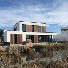 Padoek Nieuwbouw Naaldwijk (NL) | Paulussen houthandel de special Delft, Mansions, House Styles, Home Decor, Mansion Houses, Decoration Home, Manor Houses, Villas, Fancy Houses