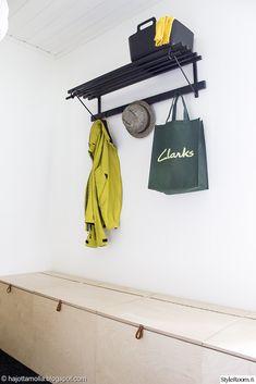 hajottamo: DIY kenkäloota vanerista / DIY shoebox from plywood Hallway Storage, Storage Spaces, Furniture Inspiration, Interior Inspiration, Plywood Furniture, Diy Furniture, Plywood Design, Small Shelves, Hamptons House