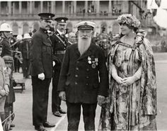 Queen Marie of Romania inspecting members of the British Red Cross. Romanian Royal Family, Anna, Bucharest Romania, Royal Queen, Royal Weddings, Ferdinand, Prince Charles, Red Cross, Queen Victoria