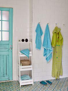 Sanna & Sania-אחלה מדפים למקלחת