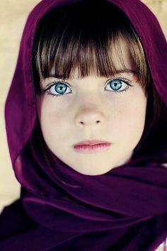 Les yeux bleu