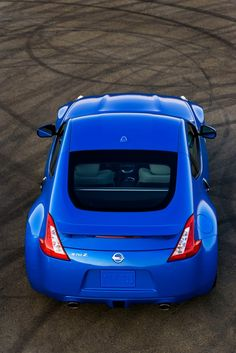 2012 #Nissan 370Z Look at that blue! <3