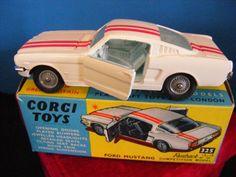 CORGI TOYS 325 FORD MUSTANG FASTBACK RACING CAR VINTAGE ORIGINAL OUTER BOX RARE