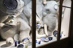 Słoń w składzie porcelany :-) Hermès Wanderland exhibition at the Saatchi Gallery in London