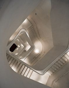 #stair #white #bright  Michaël Jacobs, Flickr