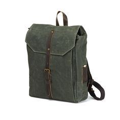 Hector Backpack- This bag somehow reminds me of WW2 like a messenger travel from one trench to another... It looks kinda nice though