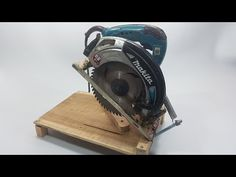 Must Have Woodworking Tools, Woodworking Tools For Beginners, Carpentry Tools, Woodworking Workshop, Easy Woodworking Projects, Woodworking Jigs, Wood Tools, Diy Tools, Diy Easel