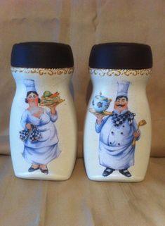 Coffee Jar Crafts, Coffee Jars, Wine Bottle Crafts, Mason Jar Crafts, Bottle Painting, Bottle Art, Bottles And Jars, Glass Jars, Decoupage Jars