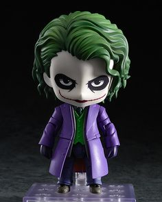 From the popular DC Comics film 'The Dark Knight' comes a Nendoroid of the Joker based on the highly acclaimed version of Joker played by Heath Ledger. He is also the first ever villain from a live action film to join the Nendoroid world! Batman Dark, Batman The Dark Knight, Joker Batman, Nail Art Dessin, Joker Villain, Dc Comics Film, Batman Action Figures, The Dark Knight Rises, Mode Shop