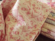 Vintage Fabric Fuschia Pink Roses and Rosebuds
