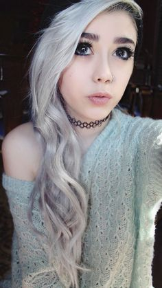 (❛‿❛✿̶̥̥) I love the platinum white hair and nose ring and makeup too Mais Emo Scene Hair, Emo Hair, Scene Girls, Emo Girls, Glamour, Cybergoth, Dream Hair, Crazy Hair, Unisex