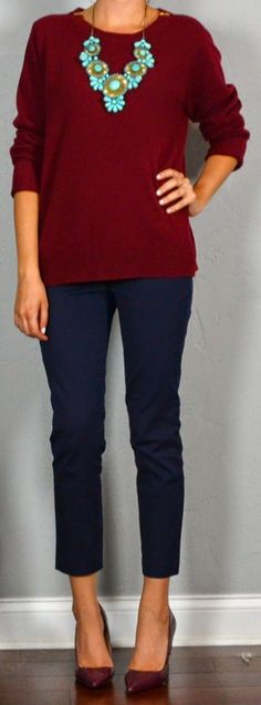 Burgundy and navy: low-key but great. Throw in an unexpected pop of turquoise an… Burgundy and navy: low-key but great. Throw in an unexpected pop of turquoise and look what happens. Mode Chic, Mode Style, Mode Ab 50, Casual Outfits, Cute Outfits, Work Outfits, Outfit Work, Casual Pants, Casual Shoes