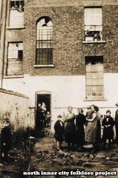 Back yard of a tenement houses at 37 Railway Street Dublin. (In the Monto) Ireland Pictures, Old Pictures, Old Photos, Dublin Street, Dublin City, Irish Catholic, Old Irish, Irish People, Photo Engraving