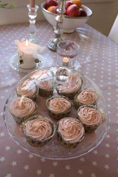 Junibacken: Kjempedeilige og saftige muffins/cupcakes! Med vaniljekesam