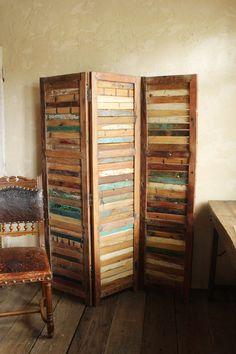 パーテーション Old Wood, Pallet Projects, Bookcase, Tutorials, Shelves, Decoration, Garden, Wall, Room