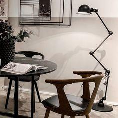 Jieldé - Loft D9404 - Matt Sort - Woroom.no - Interiør på nett Wishbone Chair, Loft, Furniture, Lighting, Home Decor, Home, Decoration Home, Room Decor, Lofts