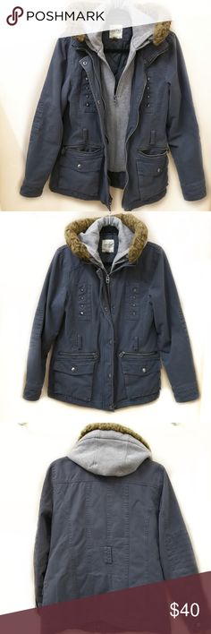 "EUC Navy Parka Jacket Size S Excellent used condition.   I wore it in winter with chunky hoodie or sweater-jumper underneath and never found it tight anywhere. As reference  I'm 5'6"" and 125 lbs.   Double zipper (picture 1). Removable faux fur (Picture 6). Fully lined. Many pockets available.  Perfect for winter. Fabric info can be found in picture 7.  Please note that the belt is not included. I personally prefer the look without the belt. Sonoma Jackets & Coats"