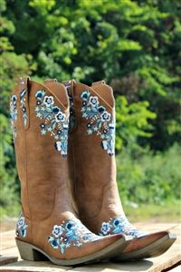 Our She& a Wildflower Boots are the perfect Summertime boot! They are embroidered with different shades of blue and white flowers on the snip toe, heel, stir-ups, and upper front and back of boot. Blue Cowgirl Boots, Rodeo Boots, Womens Cowgirl Boots, Cowgirl Chic, Western Boots, Western Wear, Country Boots, Country Outfits, Boot Bling